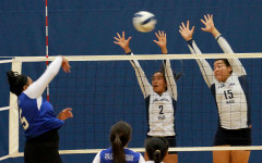 Girls Volleyball defeats Sabers, keeps D1 lead